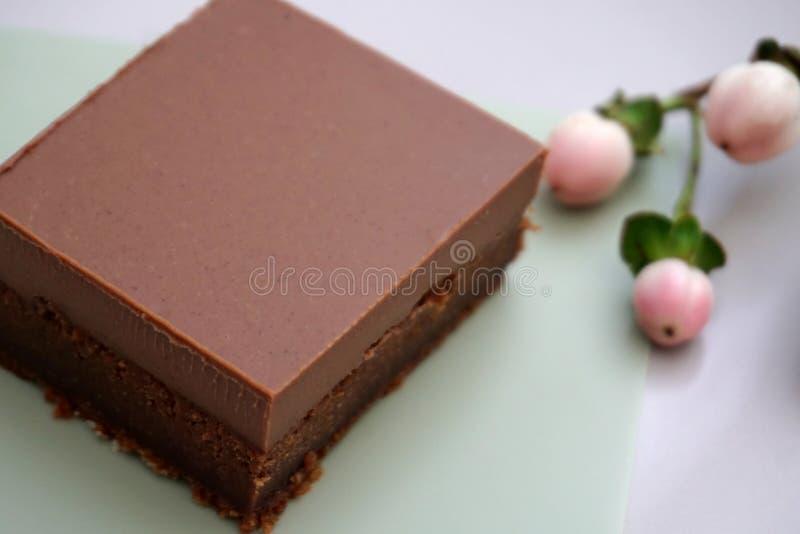 Εύκολο και νόστιμο μαλακό φοντάν σοκολάτας που γίνεται από τα φυσικά συστατικά στοκ φωτογραφίες