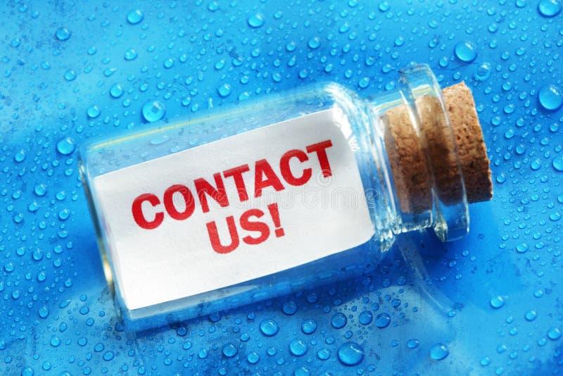 ελάτε σε επαφή με το ταχυδρομείο τηλεφωνά σε μας στοκ φωτογραφίες με δικαίωμα ελεύθερης χρήσης