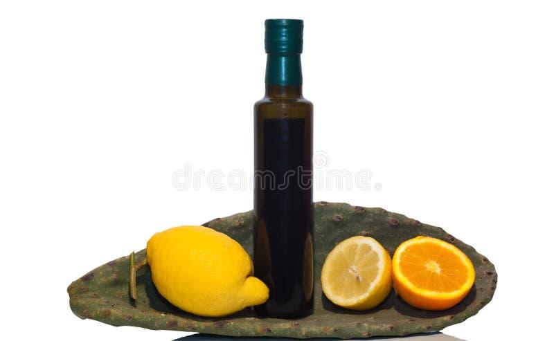 Ελαιόλαδο και σισιλιάνα φρούτα στοκ εικόνα με δικαίωμα ελεύθερης χρήσης