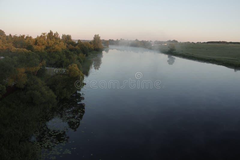 Ελαφριά ομίχλη πρωινού στοκ φωτογραφίες με δικαίωμα ελεύθερης χρήσης