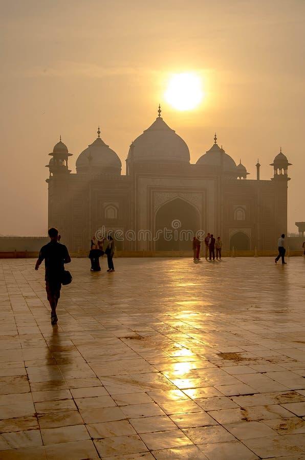 Ελαφριά ομίχλη ρύθμισης ήλιων της Ινδίας taj mahal στοκ εικόνες με δικαίωμα ελεύθερης χρήσης