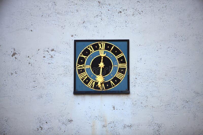 Ελβετικό ρολόι τοίχων στοκ εικόνες
