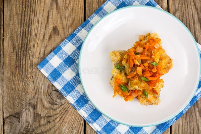 Ελληνικά πιάτα ψαριών και συνταγή στοκ φωτογραφία