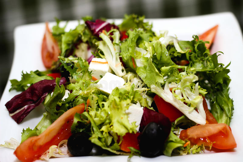 Ελληνικά πράσινα τυριών ντοματών σαλάτας στοκ εικόνες με δικαίωμα ελεύθερης χρήσης