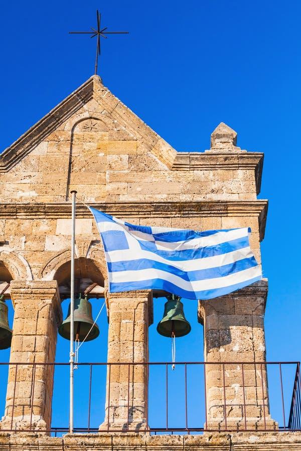 Ελληνική σημαία στην εκκλησία Άγιου Βασίλη του τυφλοπόντικα στοκ εικόνα με δικαίωμα ελεύθερης χρήσης