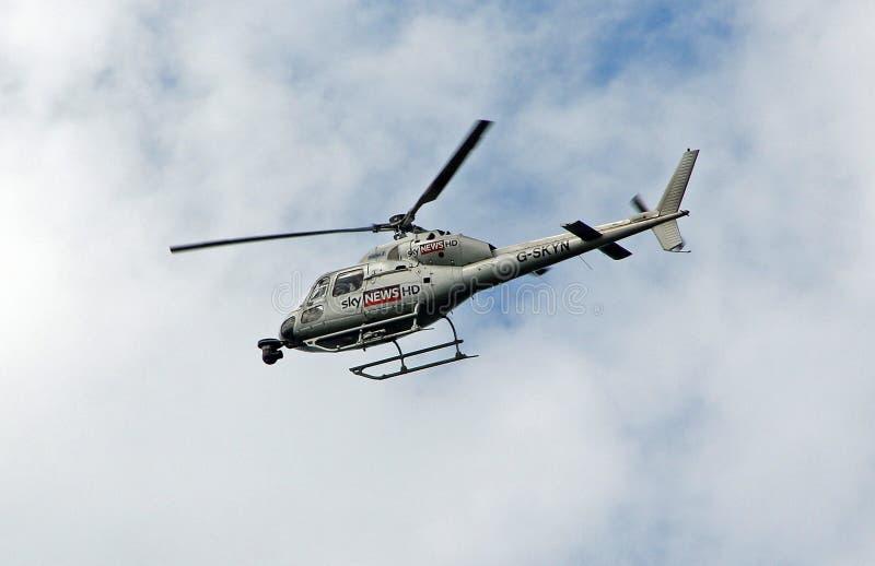 Ελικόπτερο ειδήσεων ουρανού στοκ φωτογραφία