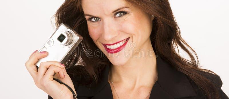 Ελκυστικές σημείο γυναικών Brunette ευτυχείς παίρνοντας και κάμερα βλαστών στοκ φωτογραφίες