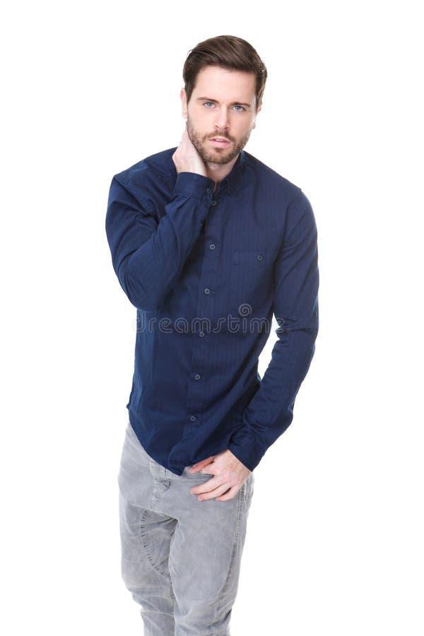 Ελκυστικό αρσενικό πρότυπο μόδας με τη γενειάδα στοκ φωτογραφίες
