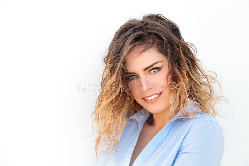 Ελκυστικό πράσινο χαμόγελο γυναικών ματιών στοκ εικόνες