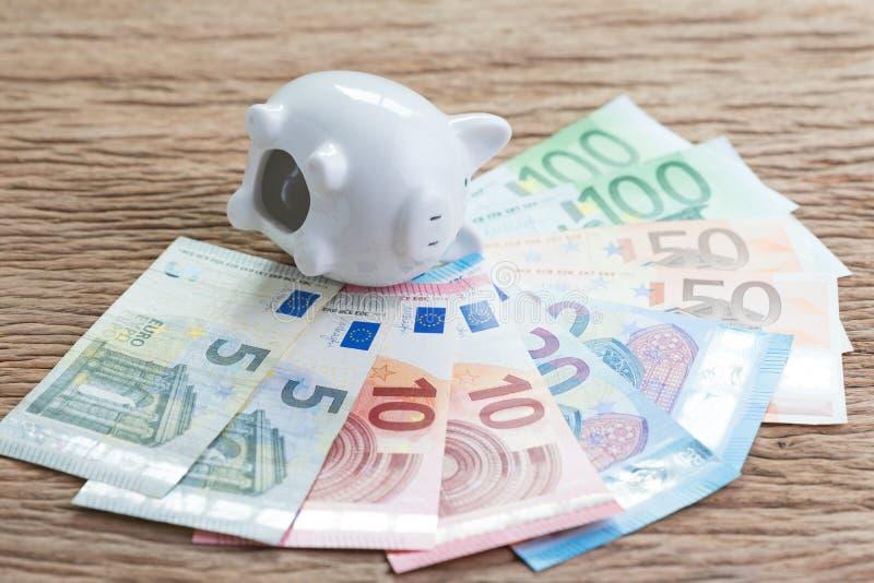 Ε. - χρηματοδότηση ευρωπαϊκών ενώσεων και οικονομικό πρόβλημα ή έννοια κρίσης στοκ εικόνες