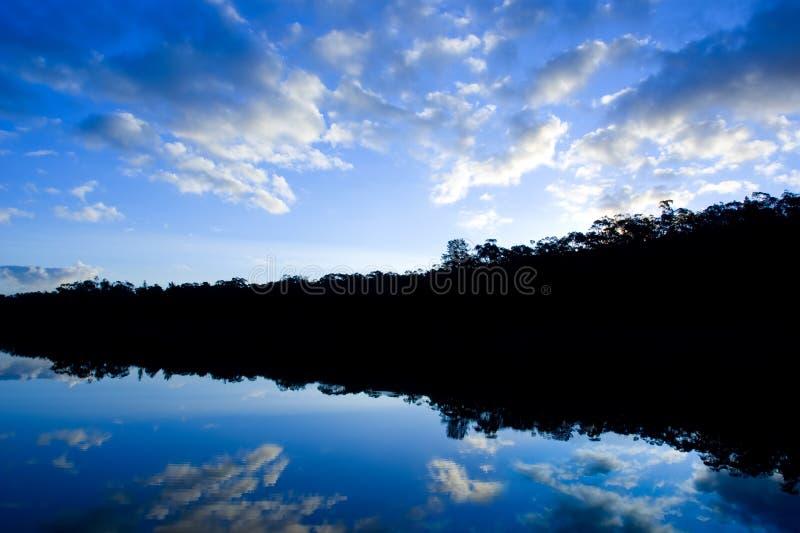 ζάλη σκιαγραφιών λιμνών στοκ φωτογραφίες με δικαίωμα ελεύθερης χρήσης