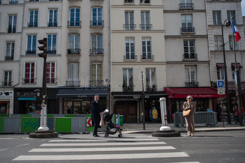 Ζέβες πέρασμα στο Παρίσι στοκ φωτογραφίες