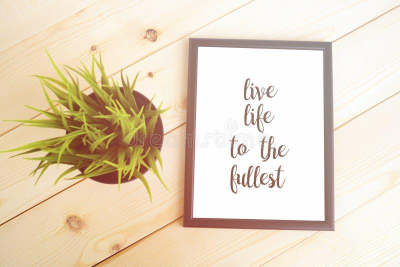 Ζήστε ζωή στο πληρέστερο απόσπασμα στοκ εικόνες