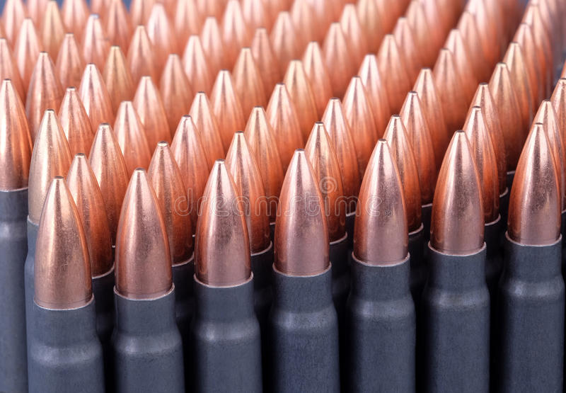 Ζήστε πυρομαχικά για τα αυτόματα όπλα στοκ φωτογραφία