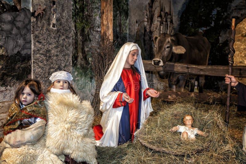 Ζήστε σκηνή nativity που παίζεται από τους τοπικούς κατοίκους Αναπαράσταση της ζωής του Ιησού με τις αρχαίες τέχνες και τελωνείο  στοκ εικόνα με δικαίωμα ελεύθερης χρήσης