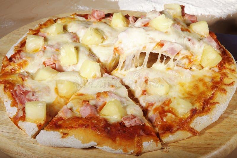 Ζαμπόν πιτσών με τον ανανά στοκ εικόνες με δικαίωμα ελεύθερης χρήσης