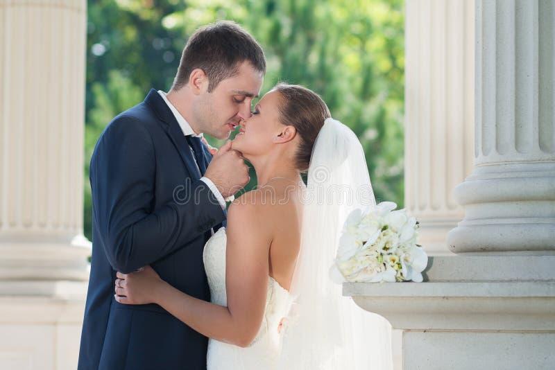 ζευγάρι ακριβώς παντρεμέν&o στοκ εικόνα