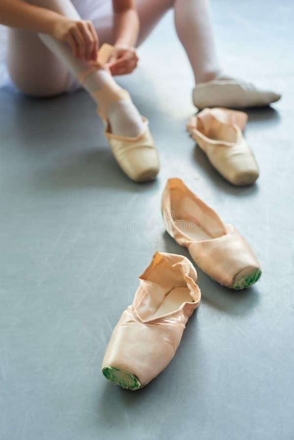 Ζευγάρι των παπουτσιών μπαλέτου pointe στοκ εικόνες με δικαίωμα ελεύθερης χρήσης
