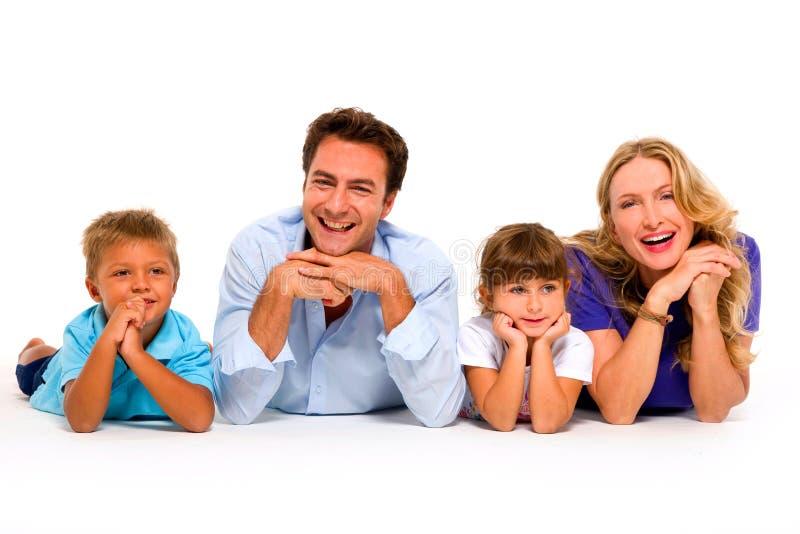 Ζεύγος με δύο παιδιά στοκ φωτογραφία