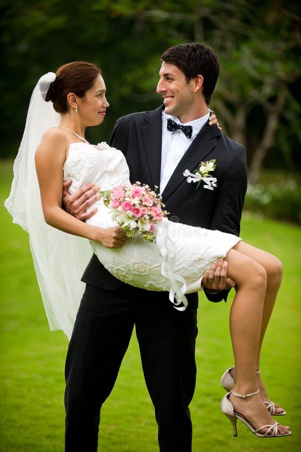 Ζεύγος που παντρεύεται στοκ εικόνες με δικαίωμα ελεύθερης χρήσης