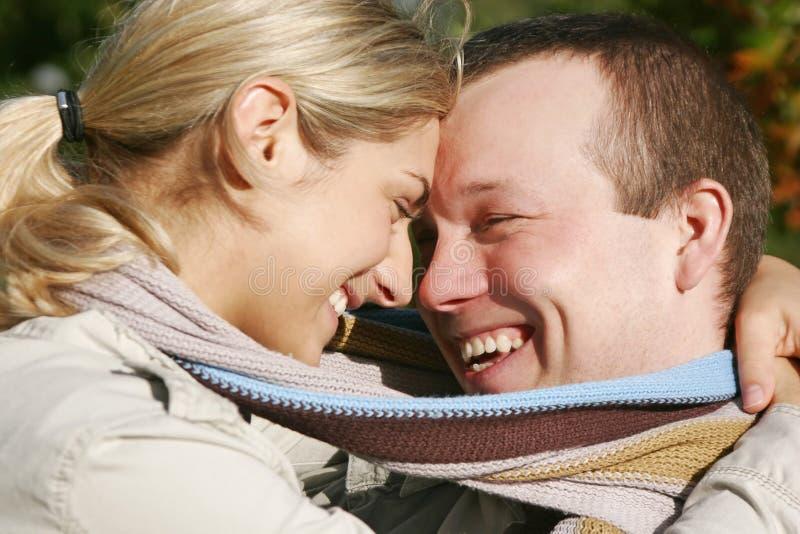 Download ζεύγος στοκ εικόνα. εικόνα από πάρκο, γυναίκα, αγάπη, ευτυχία - 1526375