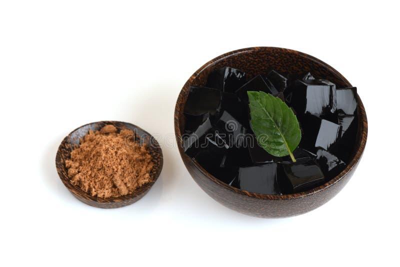 Ζελατίνα χλόης (Mesona chinensis), φυτική ζελατίνα, μαύρη στο χρώμα, που τρώεται με τη ζάχαρη στοκ φωτογραφίες με δικαίωμα ελεύθερης χρήσης