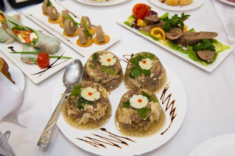 Ζελατινοποιημένο κρέας, aspic, galantine Η συνταγή της πλήρωσης στοκ εικόνα με δικαίωμα ελεύθερης χρήσης