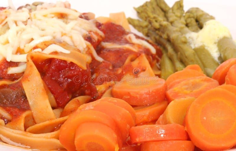 Download ζυμαρικά καρότων στοκ εικόνες. εικόνα από τρόφιμα, grilled - 2229984