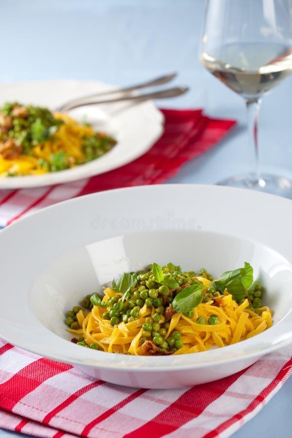 Download ζυμαρικά πιάτων στοκ εικόνες. εικόνα από wineglass, υγιής - 13188444