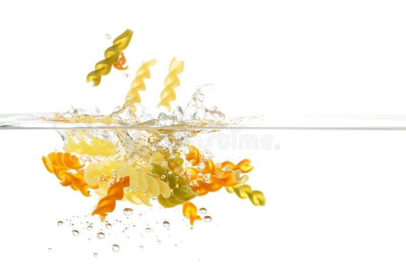 Ζυμαρικά στο νερό στοκ εικόνα