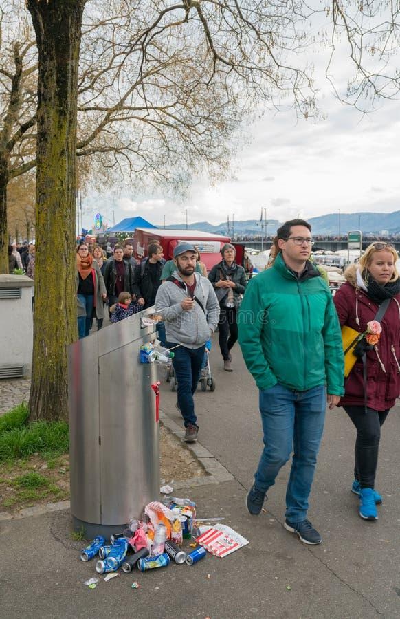 Ζυρίχη, ZH/Ελβετία - 8 Απριλίου 2019: Εικονική παράσταση πόλης της Ζυρίχης  στοκ εικόνες