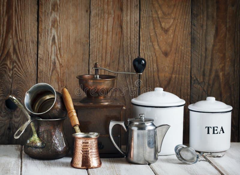 ζωή κουζινών ακόμα Εκλεκτής ποιότητας εργαλεία στοκ εικόνες