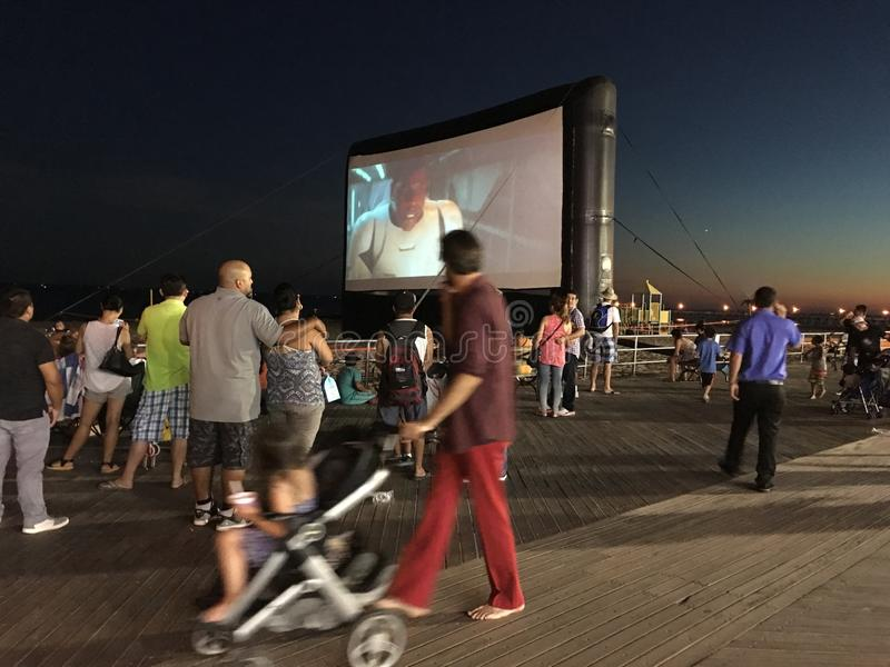 Ζωή νύχτας στο θαλάσσιο περίπατο Coney Island στοκ εικόνες με δικαίωμα ελεύθερης χρήσης