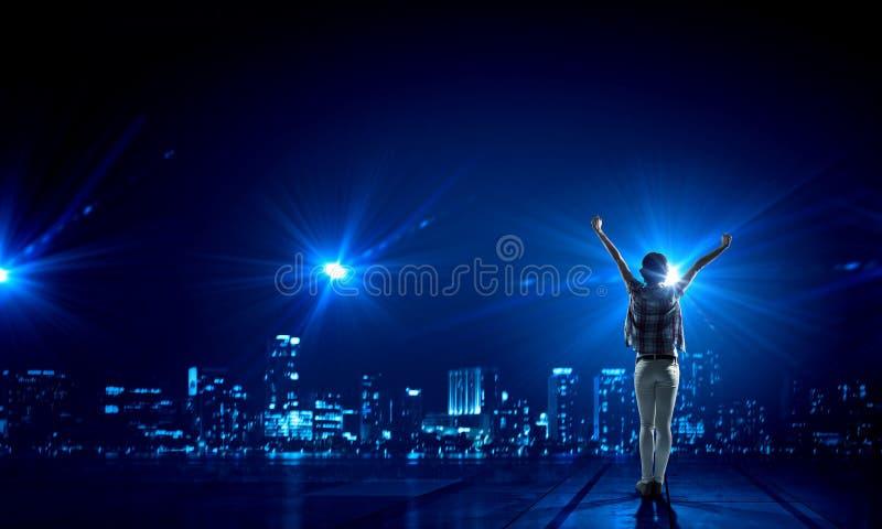 Ζωή πόλεων νύχτας στοκ φωτογραφία με δικαίωμα ελεύθερης χρήσης