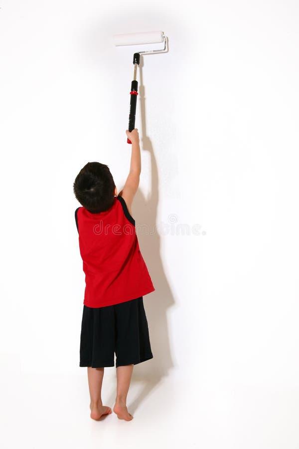 ζωγραφική αγοριών στοκ φωτογραφία με δικαίωμα ελεύθερης χρήσης