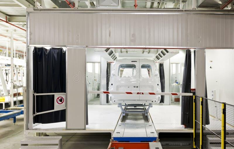 Ζωγραφική αυτοκινήτων εργοστασίων στοκ φωτογραφίες με δικαίωμα ελεύθερης χρήσης