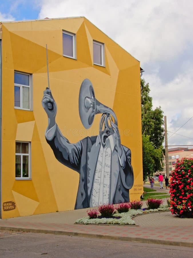 Ζωγραφική τοίχων ενός ατόμου με ένα κέρατο ως κεφάλι στοκ φωτογραφίες