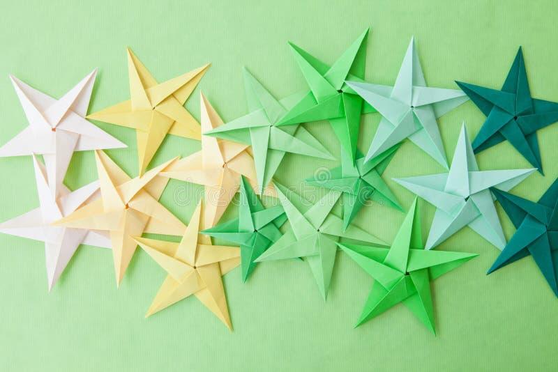 Ζωηρόχρωμα αστέρια Origami στοκ φωτογραφίες με δικαίωμα ελεύθερης χρήσης
