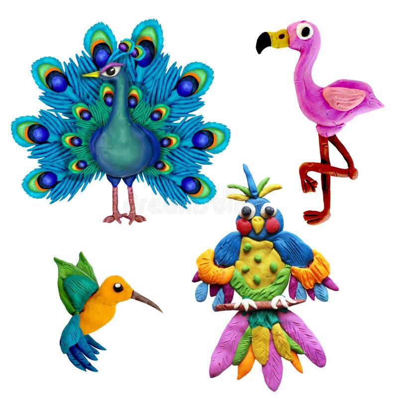 Ζωηρόχρωμα εικονίδια πουλιών plasticine τρισδιάστατα καθορισμένα απομονωμένα στο άσπρο υπόβαθρο διανυσματική απεικόνιση