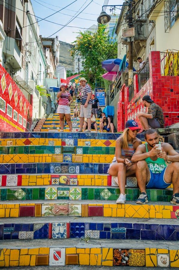 Ζωηρόχρωμα κεραμίδια των βημάτων Selaron στο Ρίο ντε Τζανέιρο στοκ φωτογραφίες