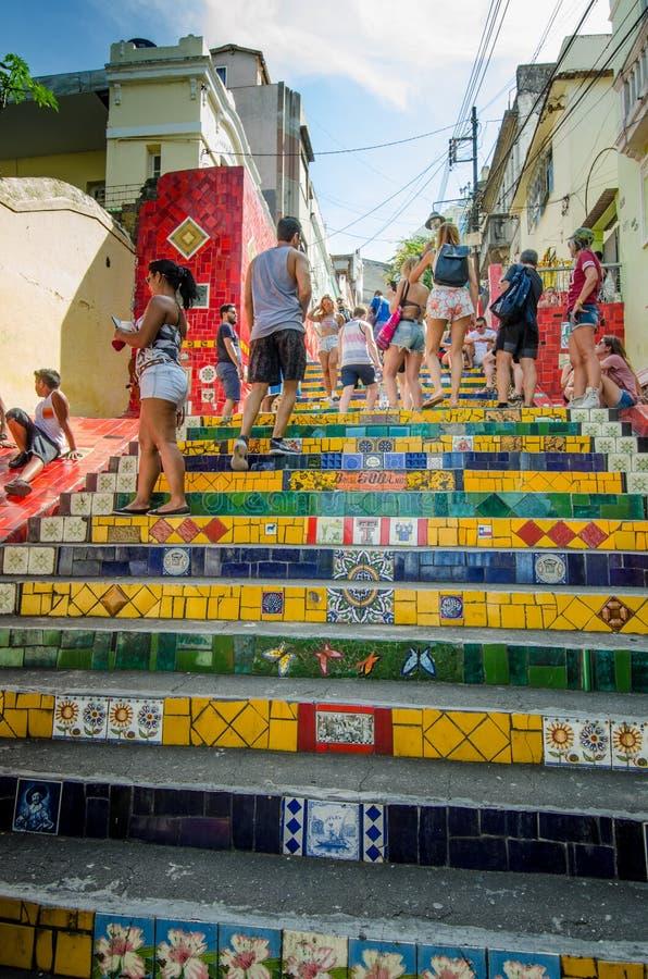 Ζωηρόχρωμα κεραμίδια των βημάτων Selaron στο Ρίο ντε Τζανέιρο στοκ φωτογραφία