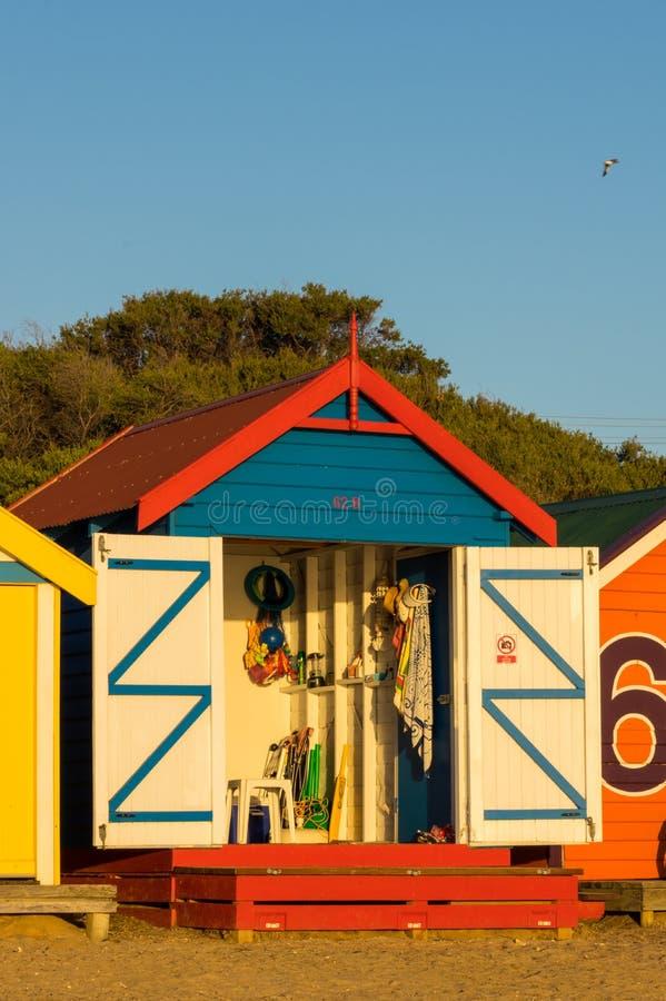 Ζωηρόχρωμα κιβώτια λουσίματος στην παραλία του Μπράιτον, Μελβούρνη στοκ φωτογραφία με δικαίωμα ελεύθερης χρήσης