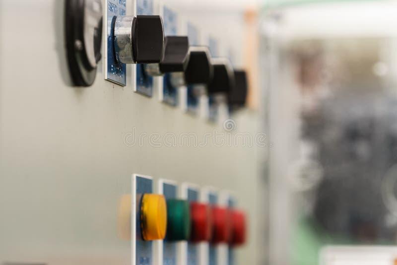 Ζωηρόχρωμα κουμπιά στη γεωργική μηχανή οχημάτων στοκ εικόνες