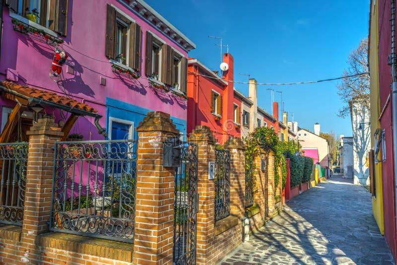 Ζωηρόχρωμα κτήρια σε Burano στοκ φωτογραφία με δικαίωμα ελεύθερης χρήσης