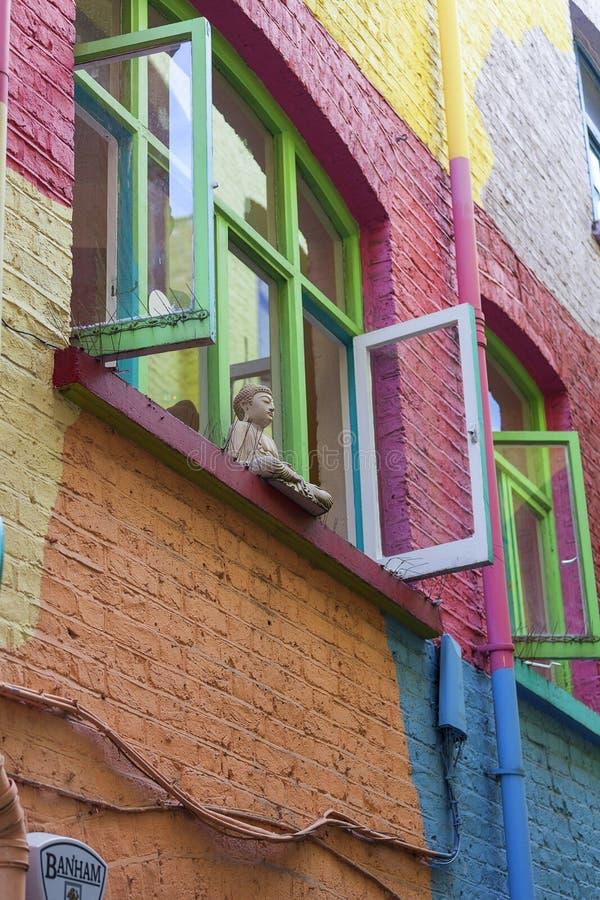 Ζωηρόχρωμα σπίτια ναυπηγείο Neals, μικρή αλέα στον κήπο Covent, Λονδίνο, Ηνωμένο Βασίλειο στοκ εικόνα με δικαίωμα ελεύθερης χρήσης