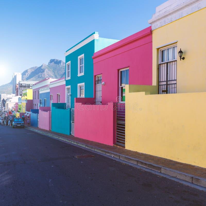 Ζωηρόχρωμα σπίτια περιοχής του BO Kaap στο Καίηπ Τάουν στοκ φωτογραφίες με δικαίωμα ελεύθερης χρήσης
