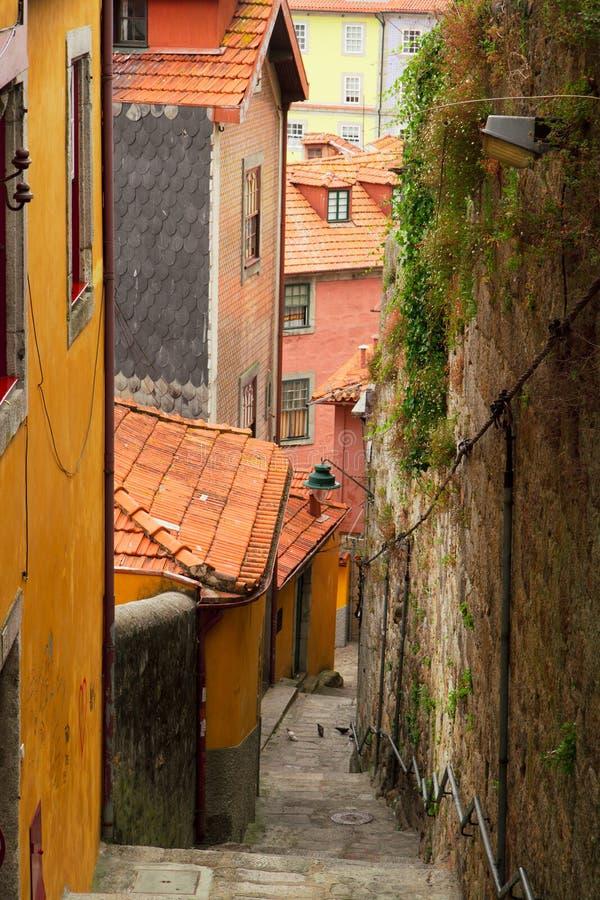 Ζωηρόχρωμα σπίτια στην παλαιά πόλη, Πόρτο στοκ φωτογραφίες