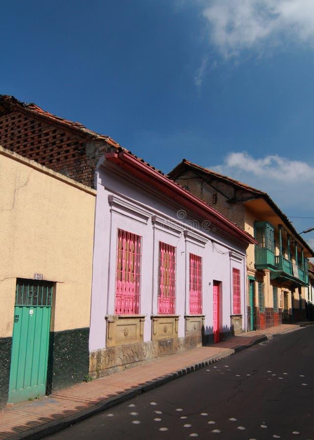 ζωηρόχρωμα σπίτια της Κολ&om στοκ φωτογραφία