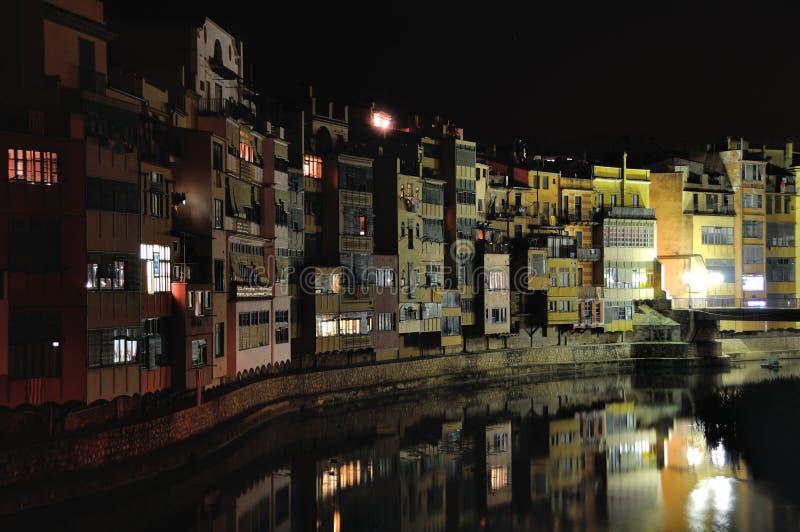 Ζωηρόχρωμα σπίτια Girona, Ισπανία στοκ εικόνα με δικαίωμα ελεύθερης χρήσης