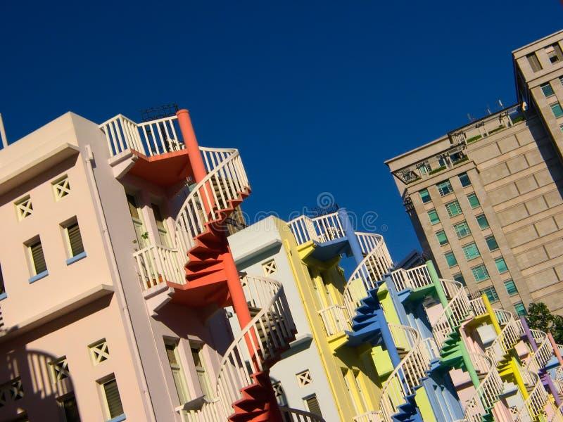 ζωηρόχρωμα σπειροειδή σκαλοπάτια στοκ φωτογραφία με δικαίωμα ελεύθερης χρήσης